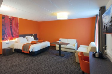 Suite room at Best Western Plus Orange Hotel
