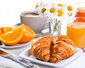 Tasty-Breakfast-Of-Croissants-Orange-Juice-And-Coffee
